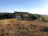 Yeşilköyde 3 dn 2 evlek arazi içinde 90 m2 köy evi eski bina