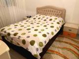 Bazalı şilteli yatak  1 komodin 1 Aynalık