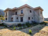 Alsancak İncesu'da 9 Dönüm Arazide Yarım İnşaat Satılık 6+1 Havuzlu Villa