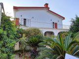 Karaoğlanoğlu'nda Denize Çok Yakın 4+1  Villa Satılıktır