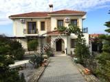 Arapköy'de özel havuzlu 4+1 full eşyalı satılık villa 132.000 STG